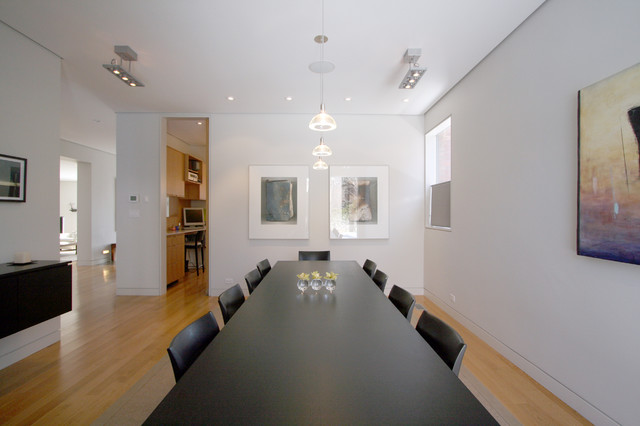 Roxborough House contemporary-dining-room