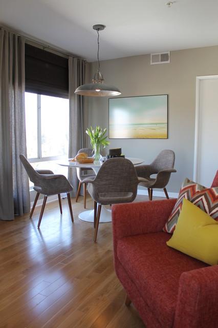Saarinen Style Tulip Table And Mid Century Modern Lounge Chair Midcentury