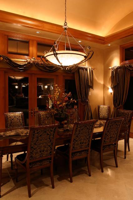 San Juan Estate traditional-dining-room