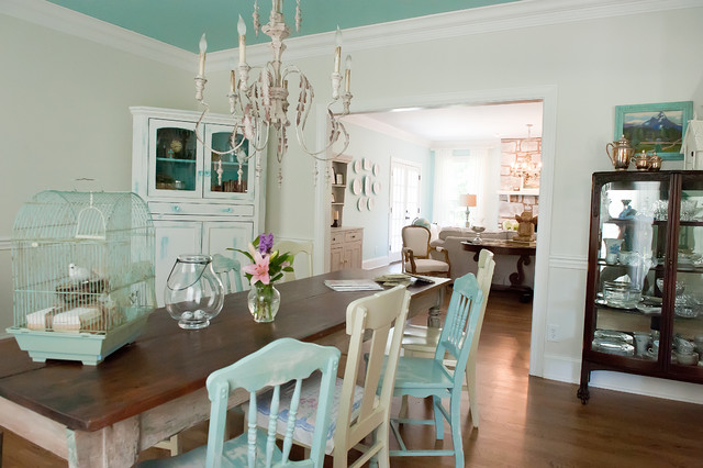 Seaside Style in Brentwood, TN Suburbia beach-style-dining-room