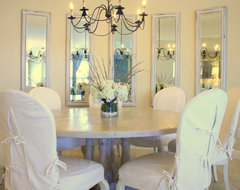 Shari Misturak of IN Studio & Co. Interiors traditional dining room