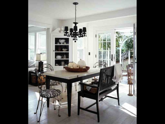 A Shelter Island fisherman's cottage beach-style-dining-room