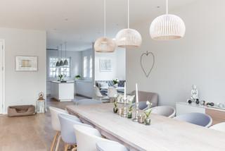 Sleek Scandinavian Kitchen Style Scandinavian Dining