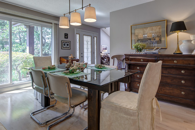 Small kitchen dining area remodel traditional dining for Small dining room ideas houzz