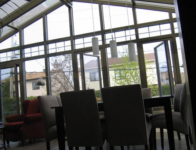 Solarium contemporary-dining-room