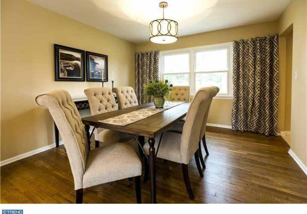 Staging - Dining Room (East Windsor)