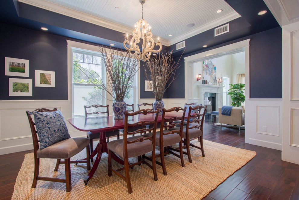 Inspiration for a transitional dining room remodel in Los Angeles