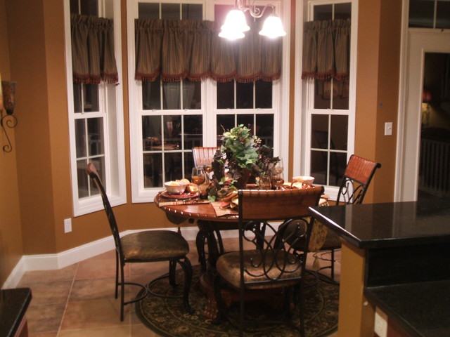 Stone Creek dining eclectic dining room