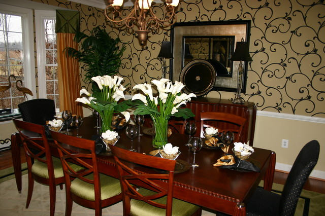 Stonewall manor model home for Model home dining room