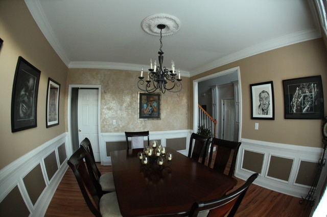 Lovely Stunning Accent Wall Traditional Dining Room