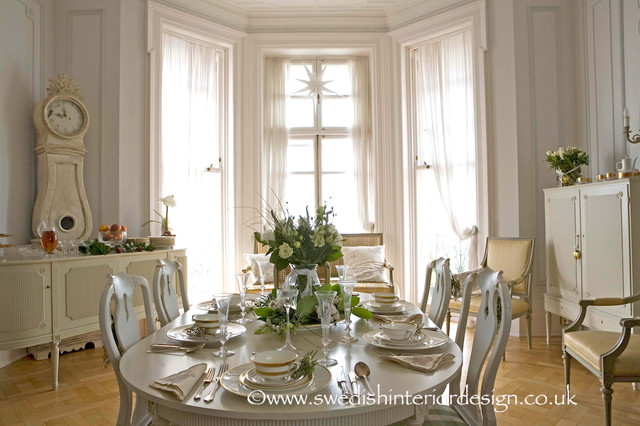 Swedish gustavian dining room traditional dining room - Salle de bain style shabby ...