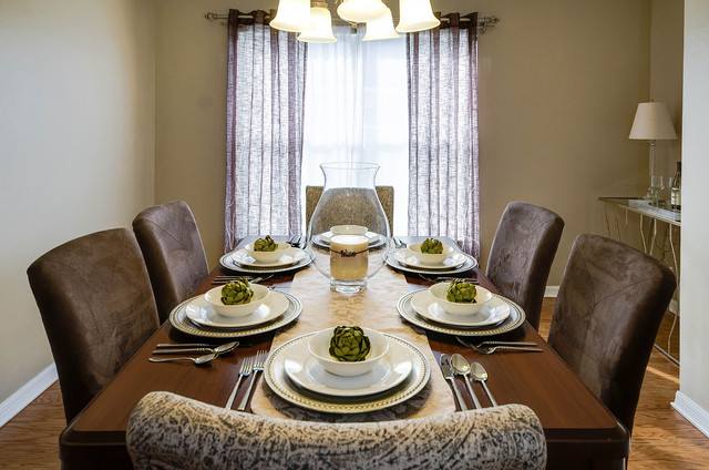 Table top decor ideas transitional dining room tampa for Best transitional dining rooms