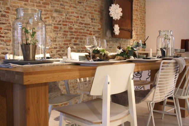 Tablescape rustic modern contemporary dining room for Modern rustic dining room ideas