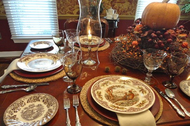 Amazing Thanksgiving Table Setting Traditional Dining Room