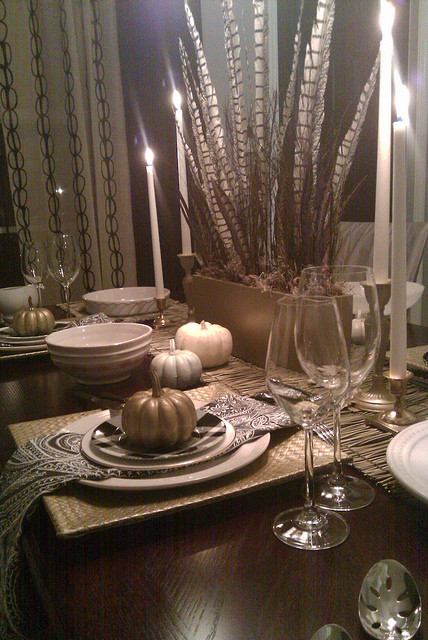 SEASONAL STYLING - NYCLQ - FOCAL POINT contemporary-dining-room