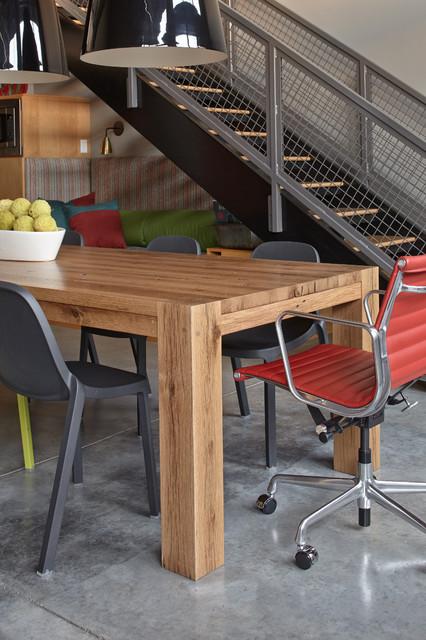 loft industrial-dining-room