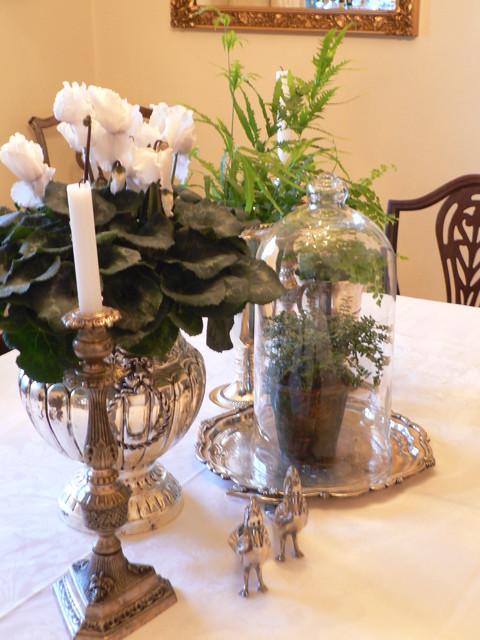 Timothy De Clue Design traditional-dining-room