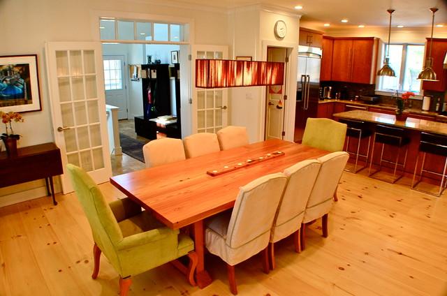 Traditional 3000 sq ft modular home on martha 39 s vineyard - Modular dining room ...