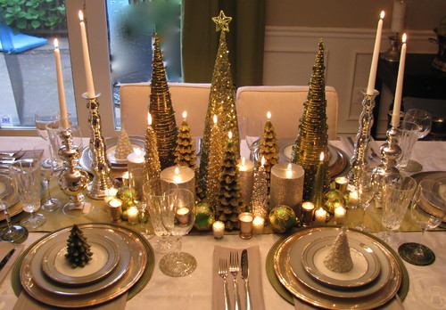 although the big dining table decorations look lovely they can be impractical for some dinner parties where everyone helps themselves to a food spread