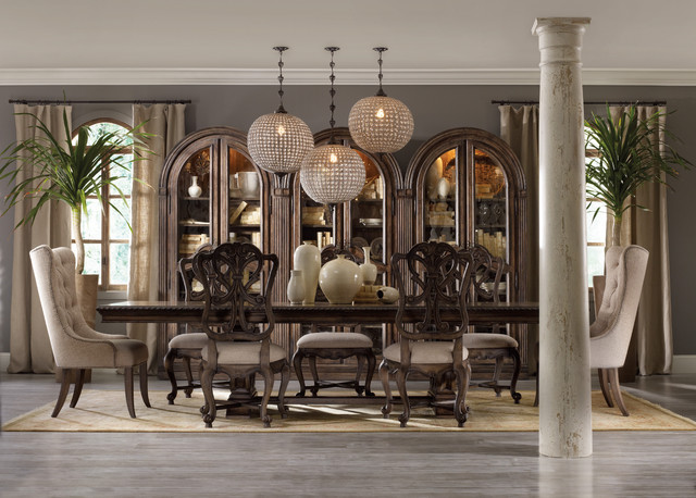 Dining rooms traditional dining tables new york by for Traditional dining room art