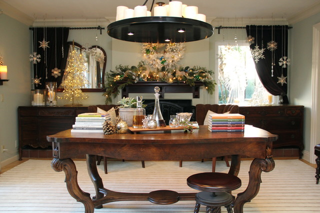 Holiday Mantel   Christmas Decor   Traditional   Dining Room   San Diego    by Robeson DesignHoliday Mantel   Christmas Decor   Traditional   Dining Room   San  . Robeson Design Kitchen. Home Design Ideas