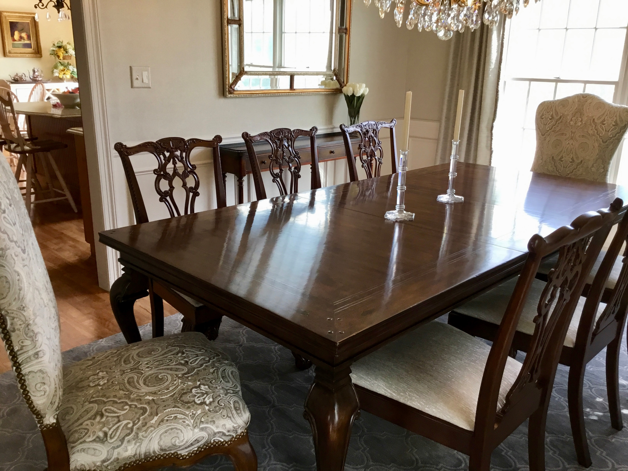 Traditional Eligant Dining Room