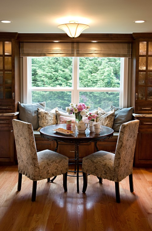 Traditional Farmhouse Breakfast Nook