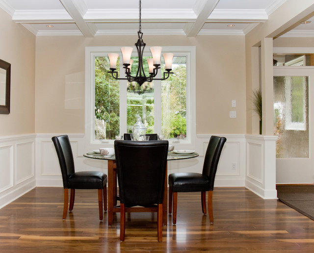 Nice Inspiration For A Timeless Dining Room Remodel In Los Angeles