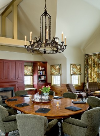 Traditional New England Corporate Retreat eclectic-dining-room