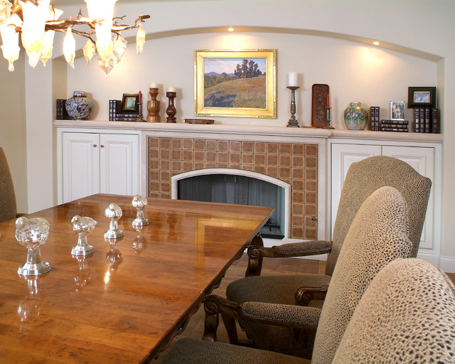 Traditional Ranch traditional-dining-room