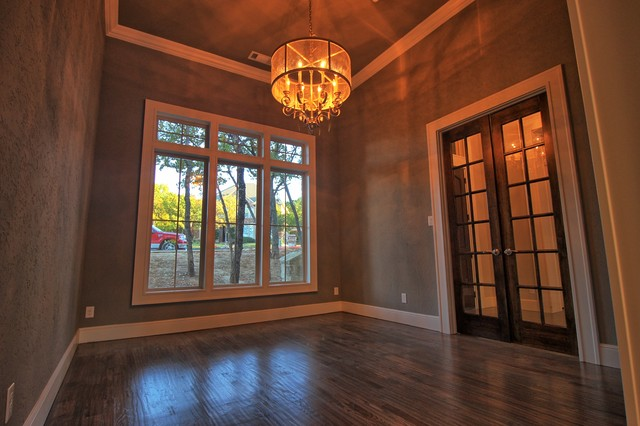 Trailwood Court transitional-dining-room