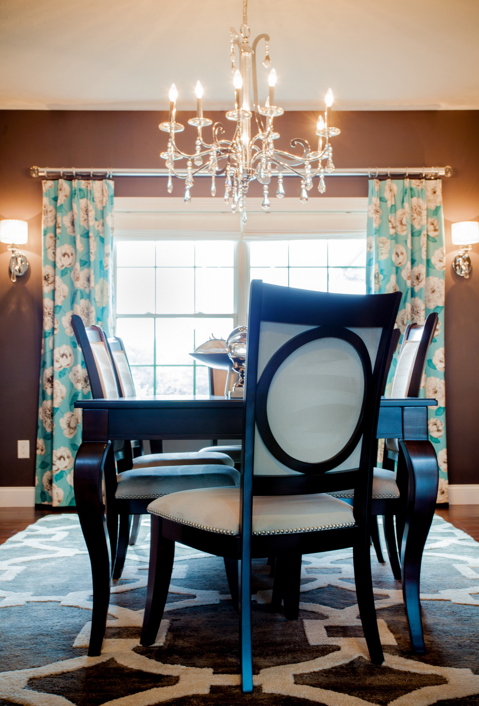 Transitional Chic Dining Room