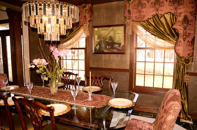 Triple Crown Project traditional-dining-room