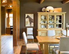 True Residence rustic-dining-room
