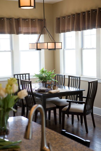 Upscale Arts & crafts inspired Home traditional-dining-room