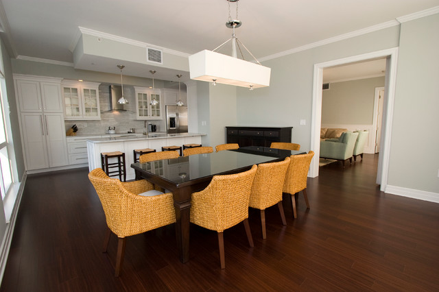 Water's Edge Condo traditional-dining-room