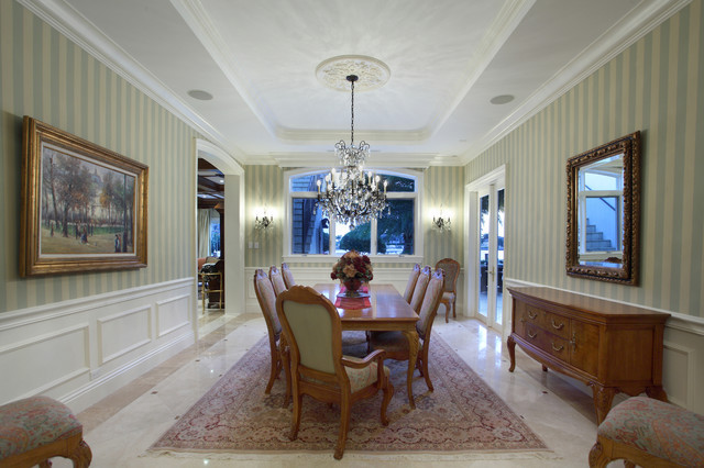 Waterfront Home in Fort Lauderdale traditional-dining-room