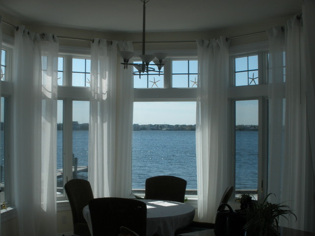 Waterfront Home traditional-dining-room