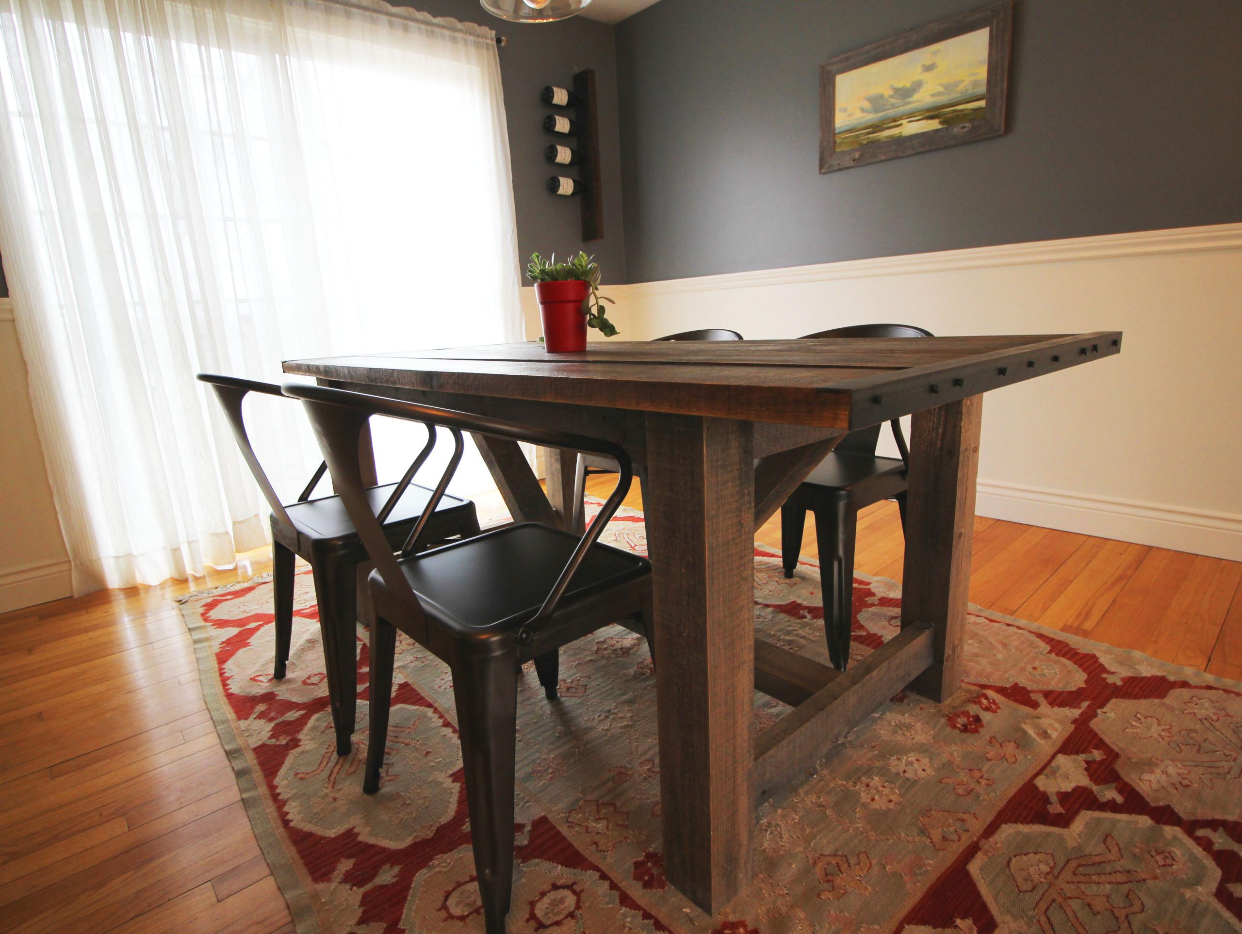 Weathered Pine Farm Table