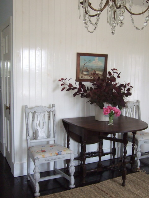 Weekend Cottage eclectic-dining-room