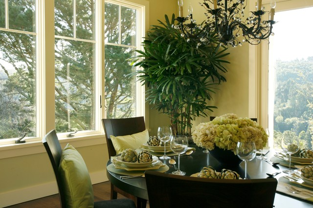 Wellesley traditional-dining-room