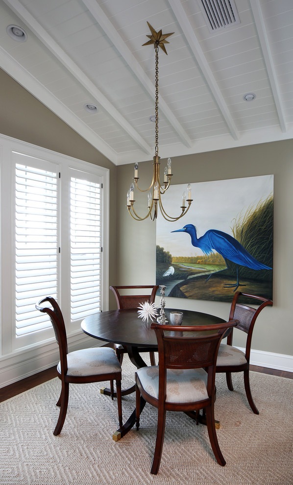 Dining room - tropical dining room idea in Tampa