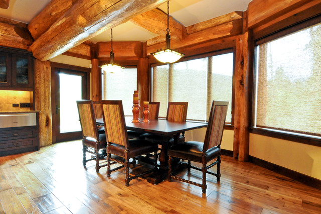 Western Red Cedar Ranch Style Log Home Rustic Dining