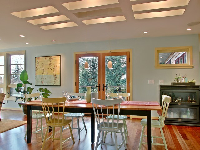 contemporary dining room by David Neiman Architects