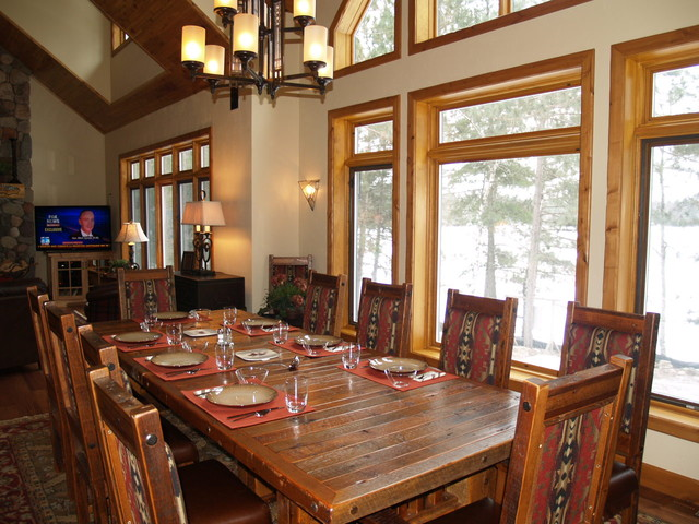 Wisconsin log home traditional-dining-room