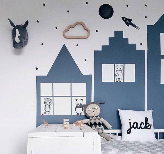 Rascacielos azules en una habitación infantil モダン-子供部屋