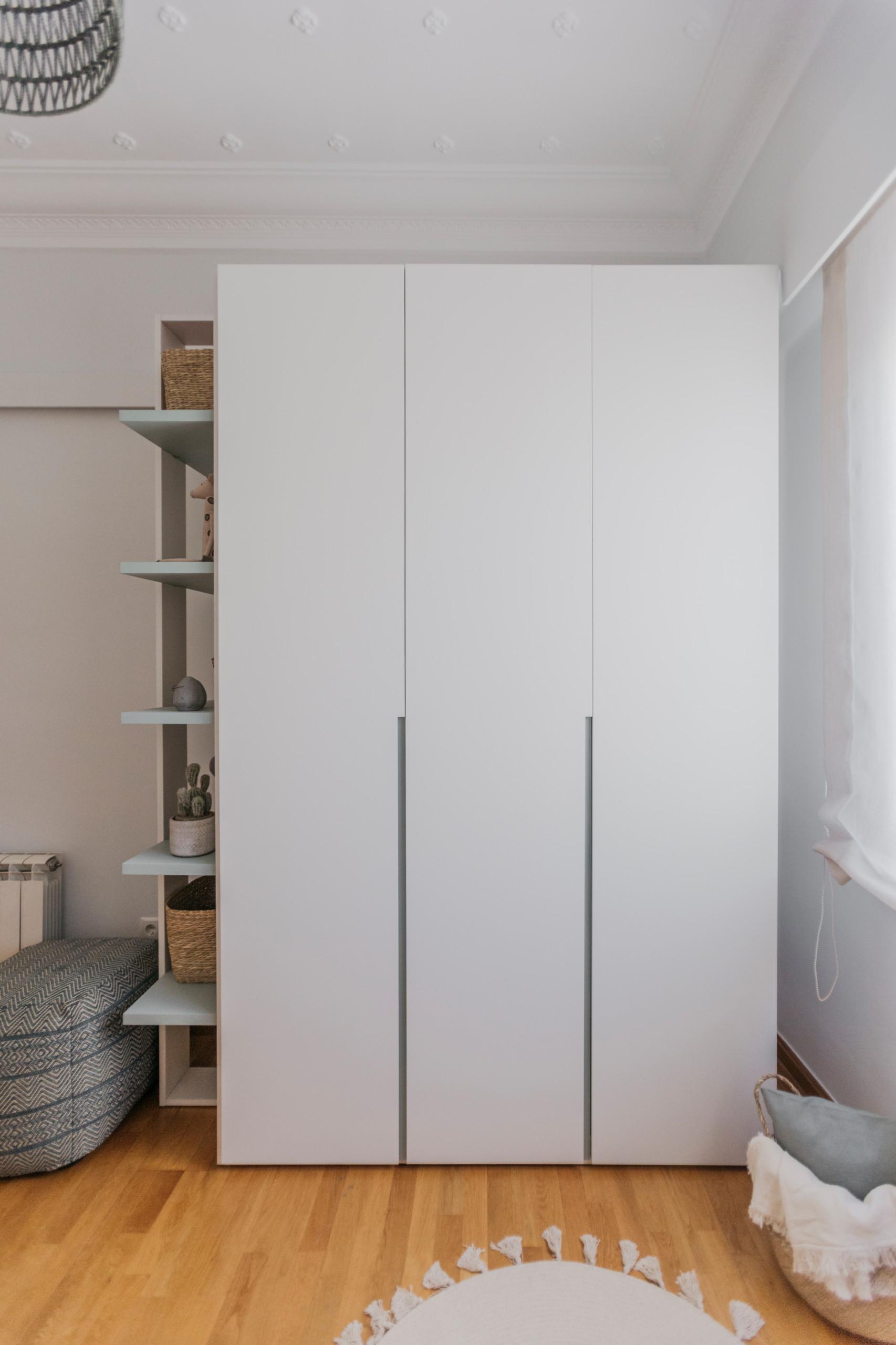 Zona de almacenaje (armario y estantería)