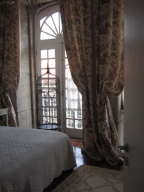 CASA DE CHUS MARTÍN EN PORTUFAL romantico-dormitorio