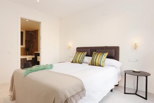 Baños Dormitorio Principal:Dormitorio principal con baño ensuite – Contemporary – Bedroom