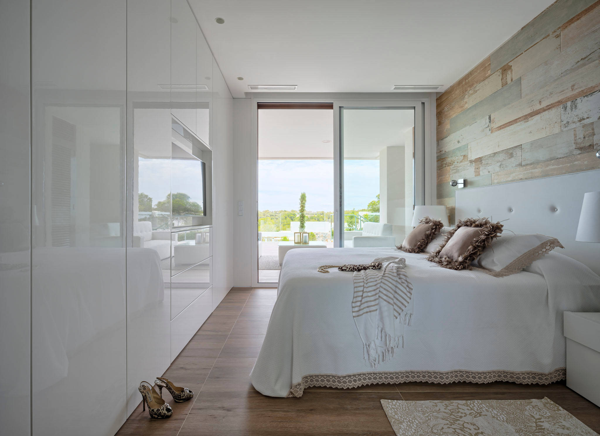 75 Beautiful Gray Bedroom With Brown Walls Pictures Ideas February 2021 Houzz